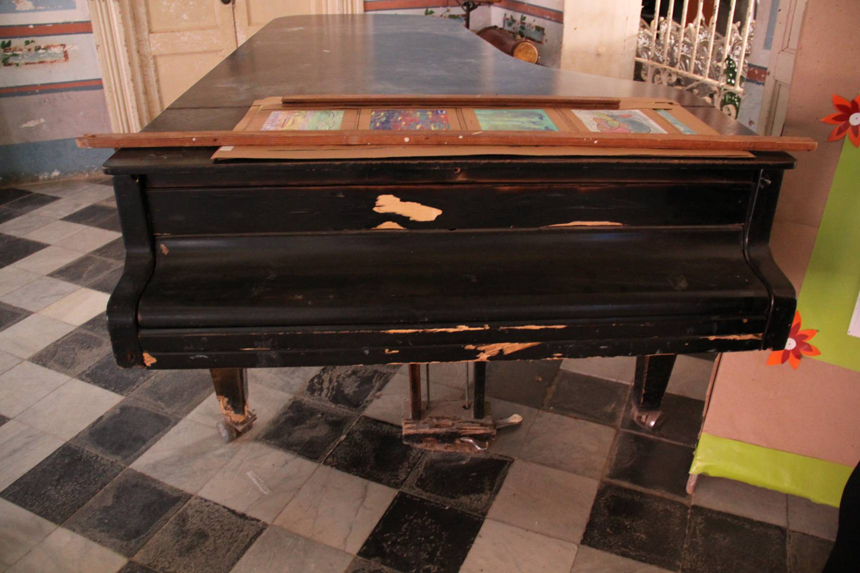 Grand piano in Trinidad, Cuba